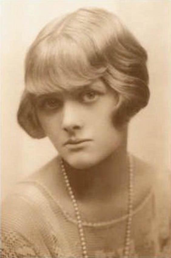 A Young Daphne Du Mourier
