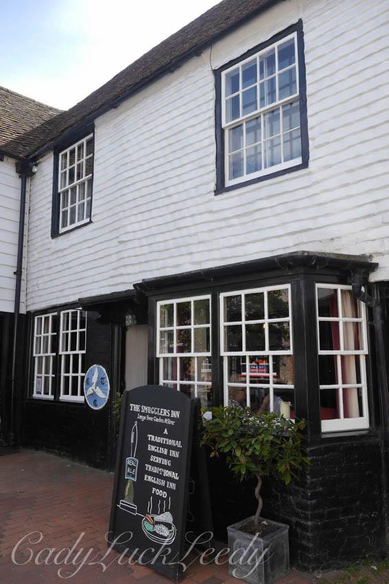 Ye Old Smugglers Inn